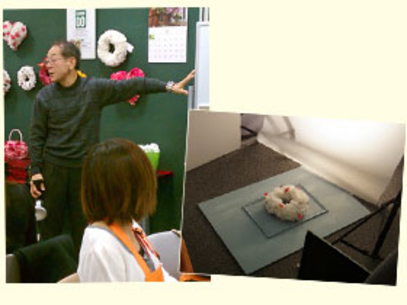 リースが完成したら、写真撮影にうつります。山本先生から写真についての基礎講義を受けたあと、いざ撮影へ!