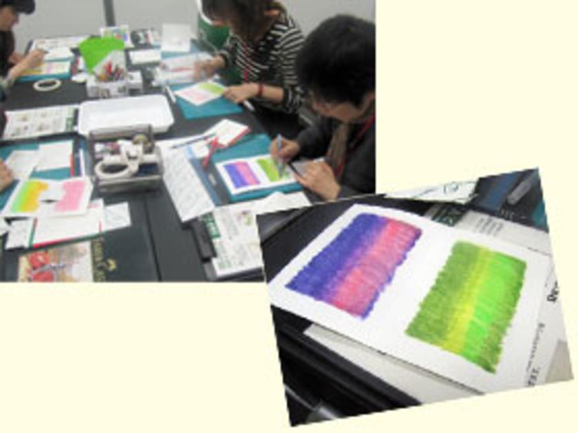まずは、水彩色鉛筆を使ってポップアップカードをつくります。水彩色鉛筆とは、水筆ペンを使って淡い絵の具のような表現ができる色鉛筆のこと。水筆ペンで色をぼかしながら、下地をていねいに塗っていきます。