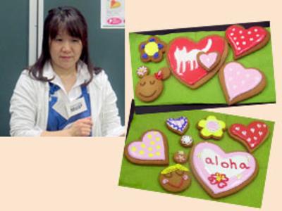 アメリカWILTON社公認インストラクタートレーナーの金丸先生を講師に迎え、アイシングクッキーをつくりました。