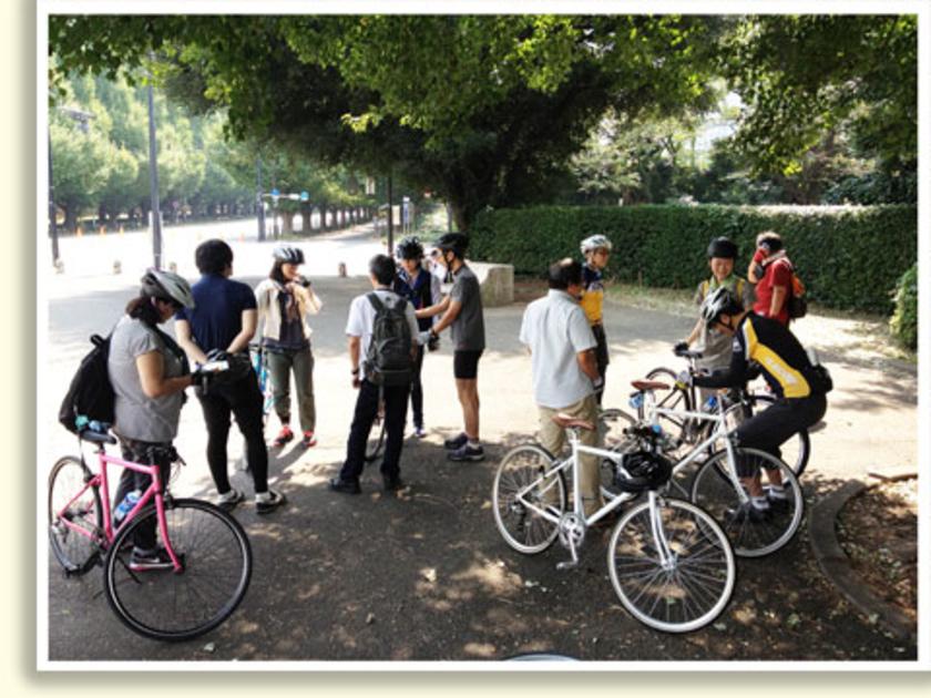 途中でサドルの高さやハンドルの位置が合わない方は、スタッフが調整しました。どんな自転車を選んだらいいの?普段どんな所を走ってる~?など自転車トークにも花が咲いていました!みなさん本当に自転車が好きそうで、スタッフのトークにも熱が入ります。