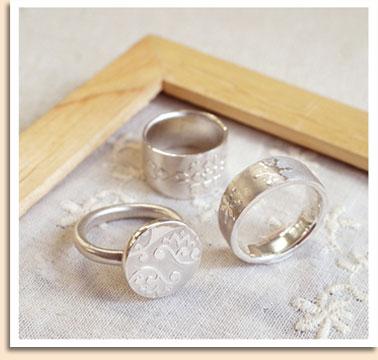 リングの形状、模様、石などを組み合わせて世界に一つだけの指輪をつくりました!