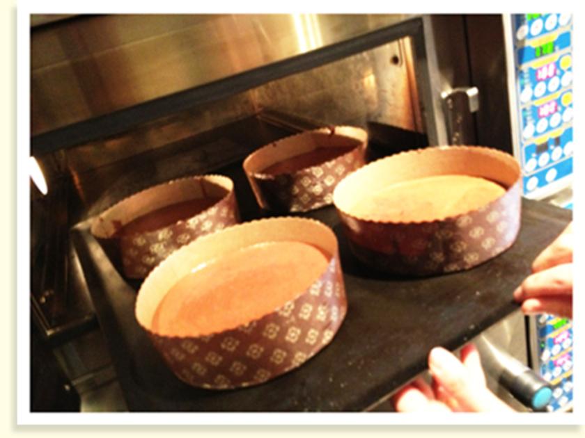160度のオーブンで20分焼いて、さらに140度に下げて10分焼きます。待ち遠しい~。