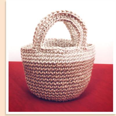 手芸やガーデニング、荷造りにも使われるコクヨの麻ひもを使って、ミニバッグをつくりました!