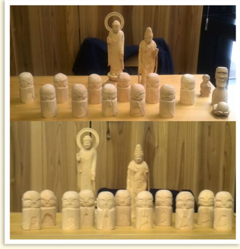 完成したわらべ地蔵が大集合!同じお手本で製作したのに、印象がそれぞれ違うところがとっても面白いですね。後ろの作品は、鈴木さんの彫った作品と、右には、鬼海さんが彫ったモアイ像も(笑)みなさん、とても上手に彫れました。長い時間、おつかれさまでした~。