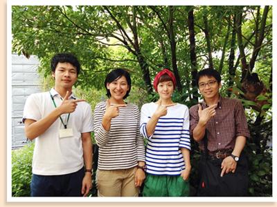 料理創作ユニットGOMAの中村亮子先生(右から2人目)とってもやさしく教えてくれました!