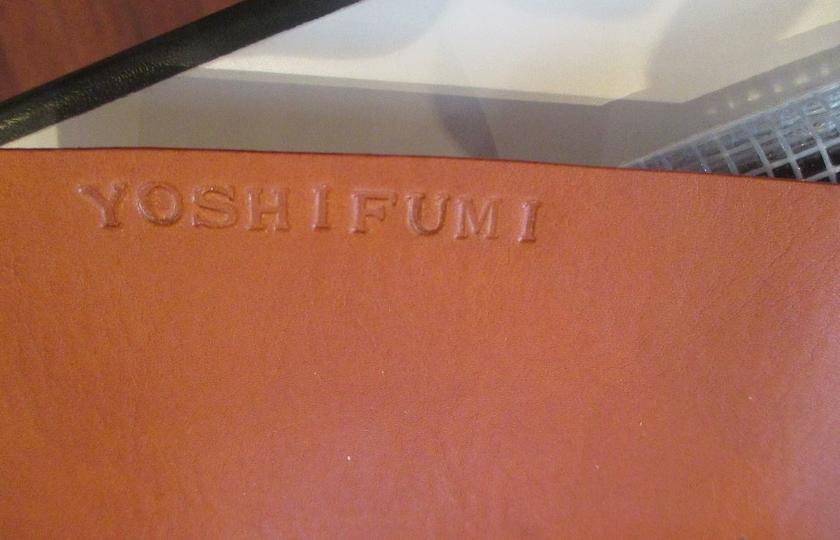 写真だとちょっと分かりにくいのですが、「YOSHIFUMI」と入っているのが見えるでしょうか。自分だけのアレンジが入るとぐっと愛着がわきますよね。