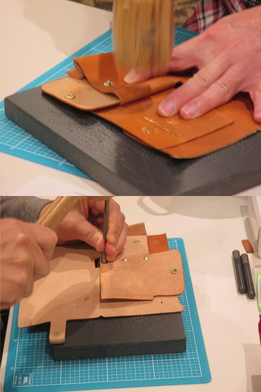 次に、財布を二つに折りに留めるホック(金具)を取り付けます。ホック取り付け後、小銭入れ用のマチ部分をハンマーでしっかりと折り付けます。小銭収納用の革と仕切り用の革は本体にカシメで取り付けます。
