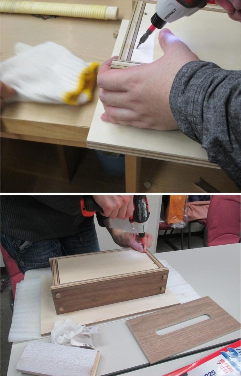 底板をビスで固定します。その際、垂直ではなく側板に向かって斜めにネジ留めします。