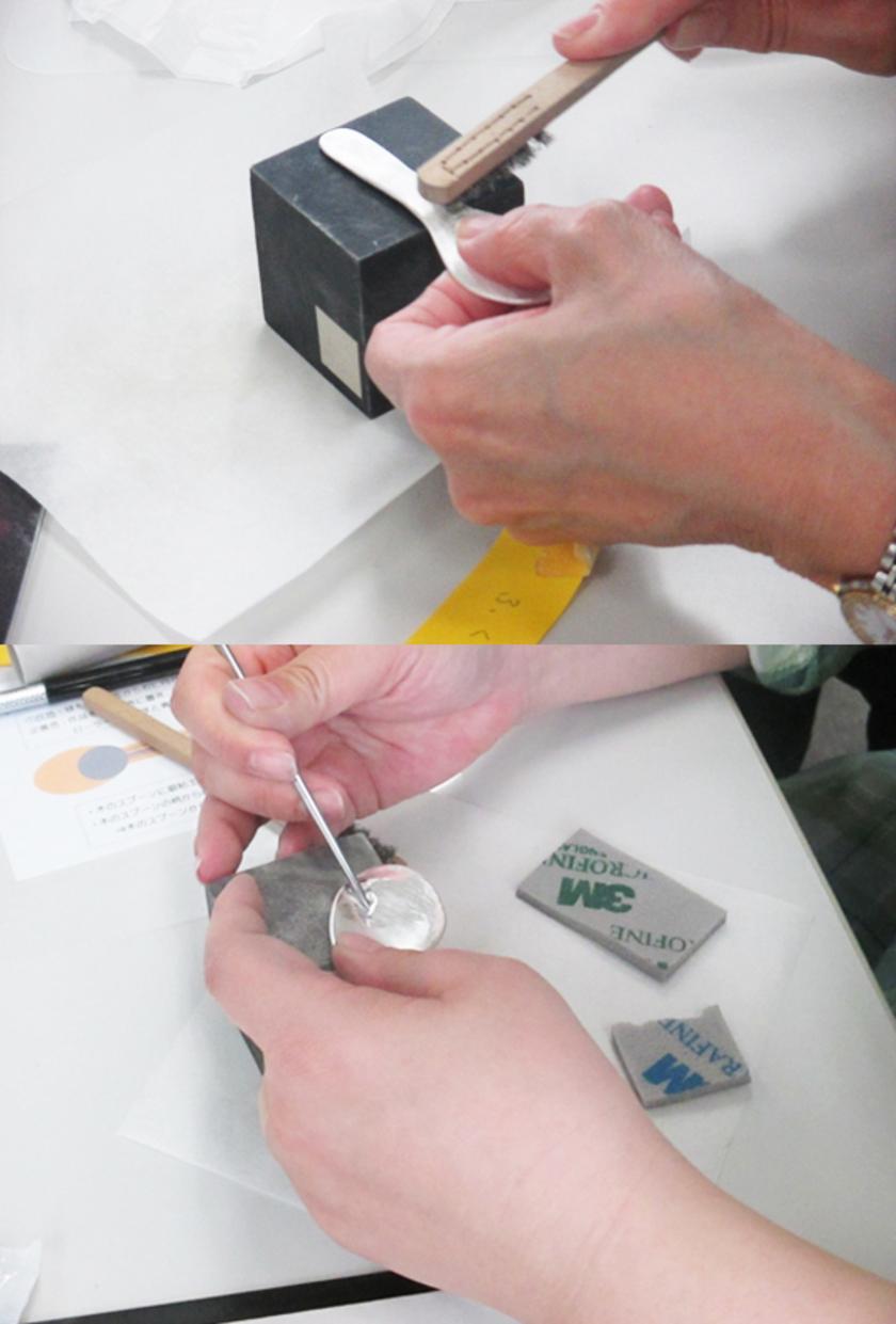 焼成がおわったら、表面をステンレスブラシで全体を磨き、さらに磨き棒で擦りピカピカに。