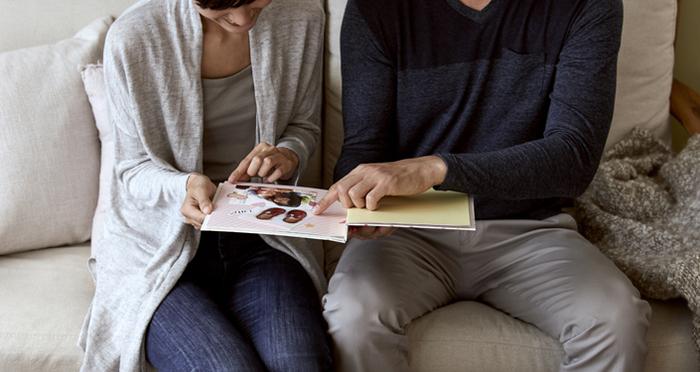 家族の写真はギフトになる。秋に思い出を贈ってみよう。