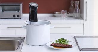 【レシピあり】話題の低温調理器具を使って絶品ローストビーフをつくろう!