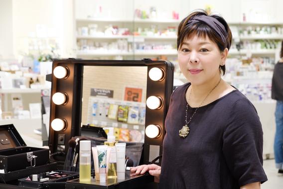 Natural Cosme Producer的小松和子老師獨家傳授選擇粉底及正確的塗抹方式,推薦給