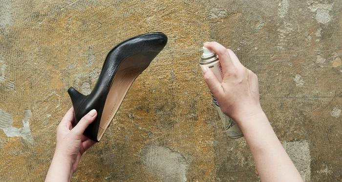 梅雨の靴のお手入れには、どの防水スプレーが良いの?