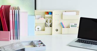オフィスのデスク周りをスッキリ整理!仕事の効率&女子力アップの便利アイテム大集合!