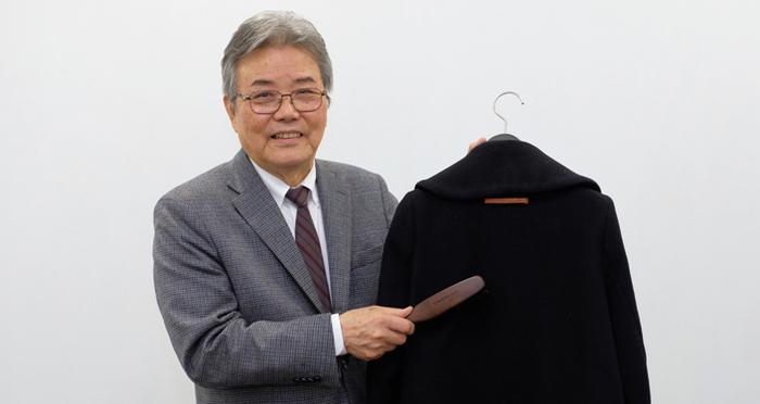 เรื่องดูแลเสื้อผ้า ต้องถามผู้เชี่ยวชาญเรื่องดูแลผ้า! วิธีการใช้แปรงอย่างชาญฉลาด เทคนิคที่แม้แต่ร้านคลีนนิ่งเสื้อผ้ายังต้องทึ่ง